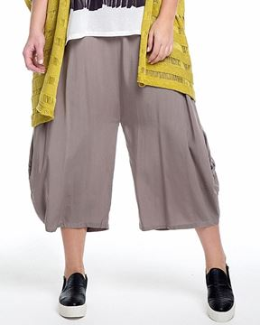 Picture of Wide-leg 3/4-trousers