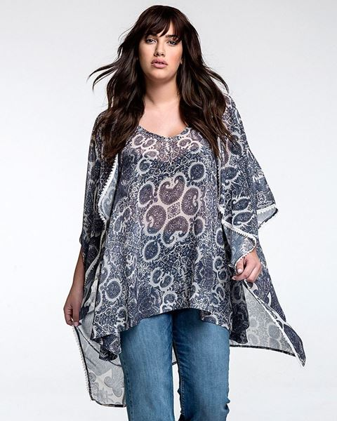 Picture of Shrug with Paisley print