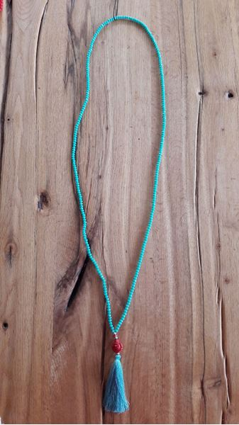 Picture of long necklace in turquoise or black